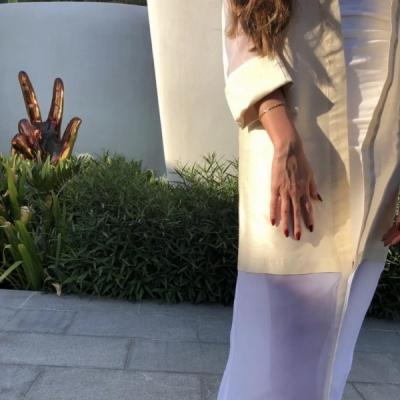 Translute the Concrete Abaya