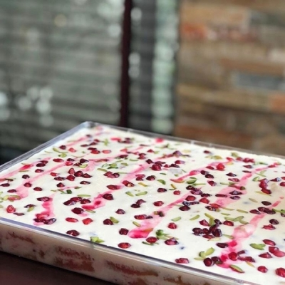 Cold pomegranate trifle